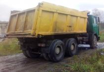 В Тверской области мужчина облил бензином и пытался поджечь чужой автомобиль