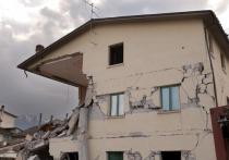 Ночью в Салехарде начало трясти многоквартирный дом