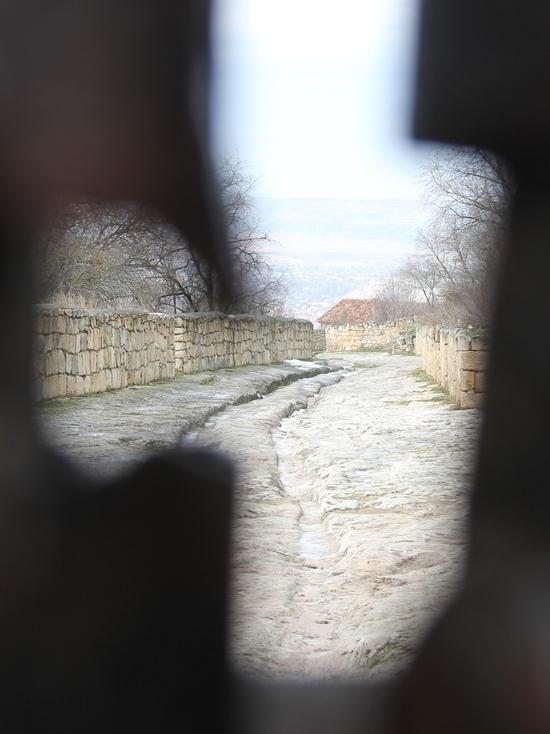 Вокруг Чуфут-Кале: на каждом шагу загадка, за каждым поворотом тайна