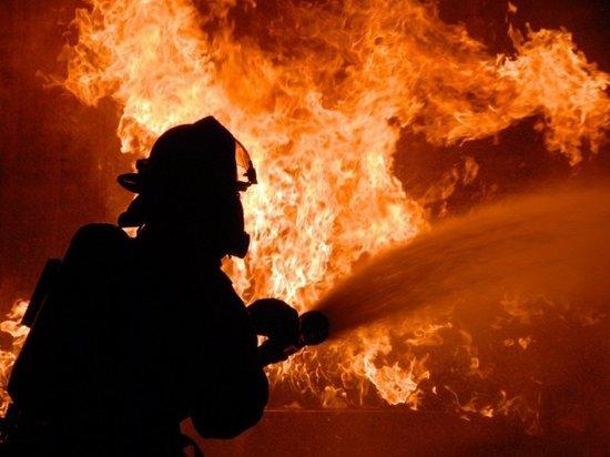 Под Иркутском горел двухэтажный коттедж