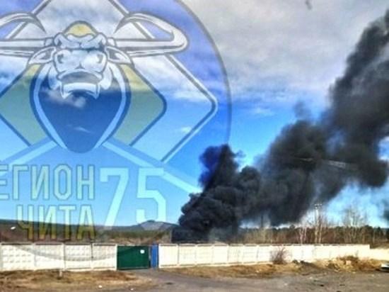 Столб черного дыма из военной части поднялся над Песчанкой