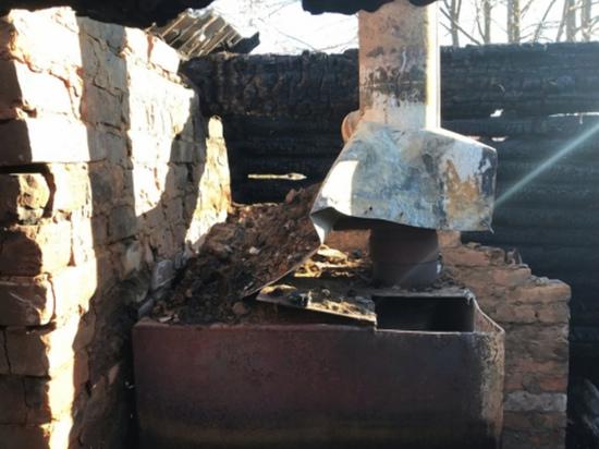В Смоленском районе ранним утром полыхала баня