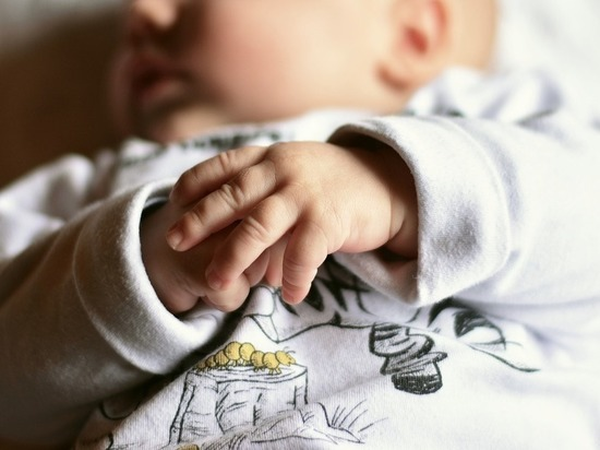 «Мальчик в пузыре»: в Китае ребенок родился в мешке