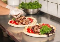 Смягчить ответственность для рестораторов за нарушение санитарных правил предложил Минюст