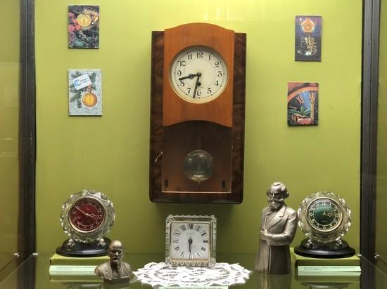 Краснодарский Музей Фелицына представил на выставках неразлучную пару «время и деньги»