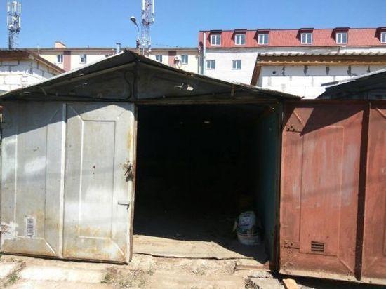 Камчатские воры освобождают города от брошенных гаражей