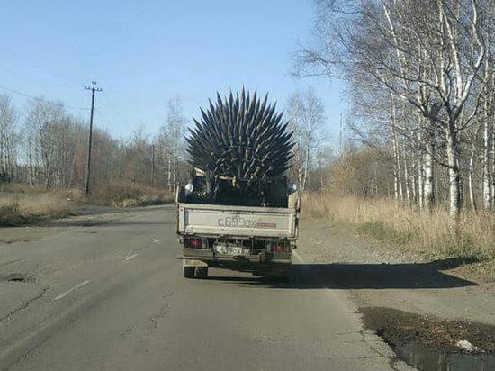 В Комсомольске замечен трон из