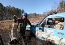 Джиперы из Иркутской области форсировали затопленные берега