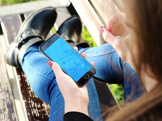 Ученые: от смартфонов у людей отрастают рога