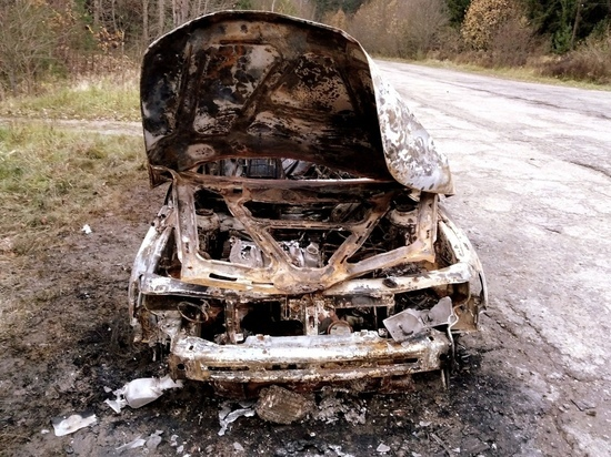 У журналистки из Данилова сожгли авто