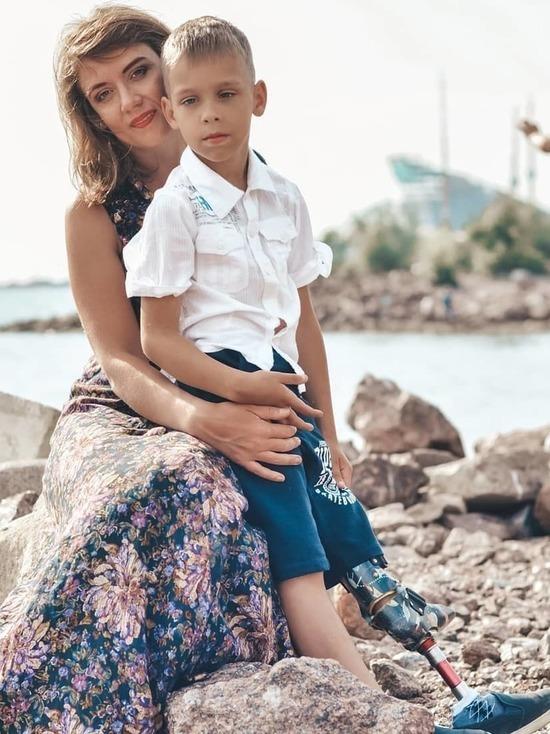 Шестилетний Владик из Петербурга мечтает о том, чтобы у него подросла ножка