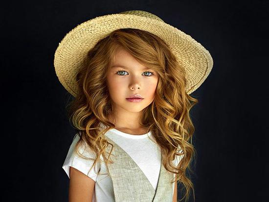 6-летняя москвичка признана самой красивой девочкой в мире