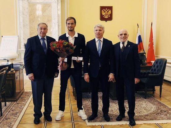 Теннисисту Медведеву присвоено звание заслуженного мастера спорта России