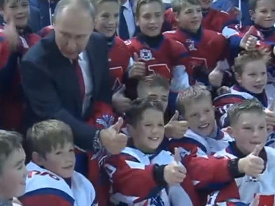 Путин поручил министрам постоянно изучать поведение молодежи в интернете