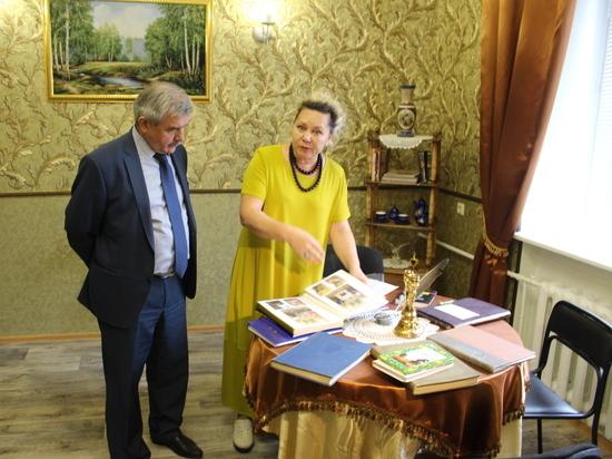 Михаил Закомалдин стал зрителем спектакля в уфимском соцприюте