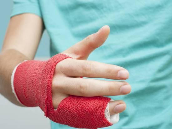 Женщина в Забайкалье из ревности пыталась откусить палец сопернице