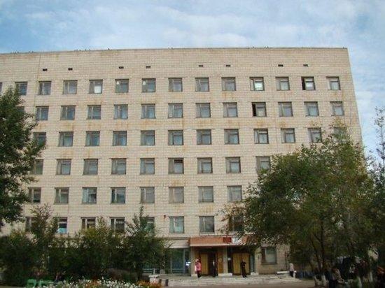 Журналисту в Забайкалье сломали руку в больничном изоляторе