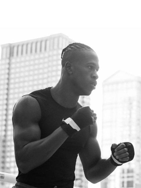 В США скончался боксер, оказавшийся в коме после нокаута в шоу Усика