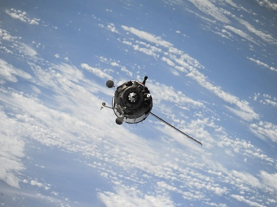 Российский спутник «Космос-2535» развалился на орбите