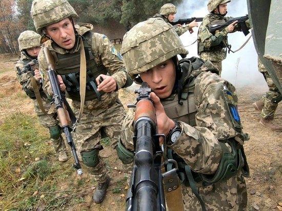 Украинские националисты расстреляли солдат ВСУ в Донбассе