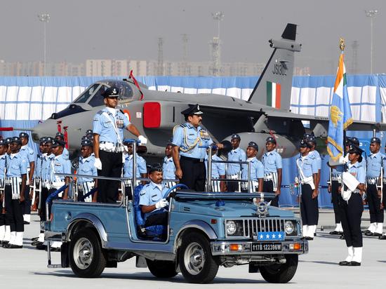 Пользователи Сети высмеяли планы Индии построить самолет 5-го поколения
