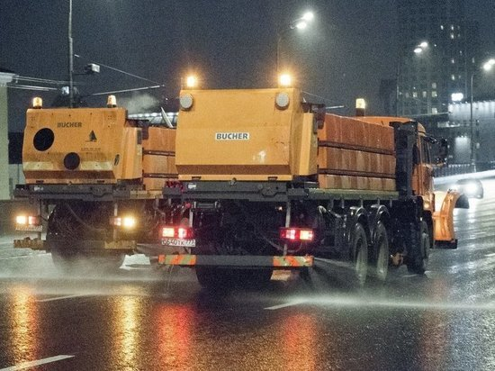 В Подмосковье дороги зимой будут посыпать реагентом-удобрением