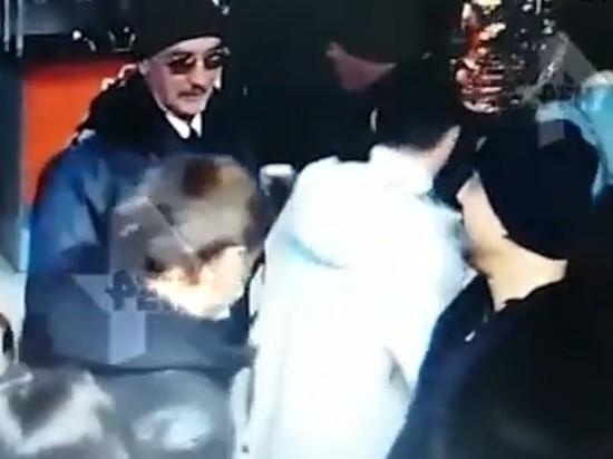 Охранник, которого ударил менеджер Rammstein, госпитализирован с подозрением на инсульт