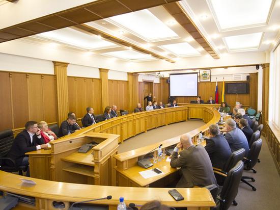 Депутаты Екатеринбурга просят Куйвашева снизить налог для крупных бизнесменов