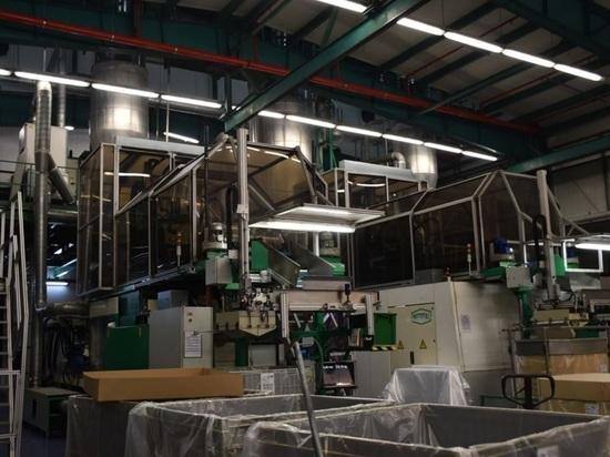 На костромском предприятии ООО «Резилюкс-Волга» запущена новая тринадцатая линия по производству пластиковой тары