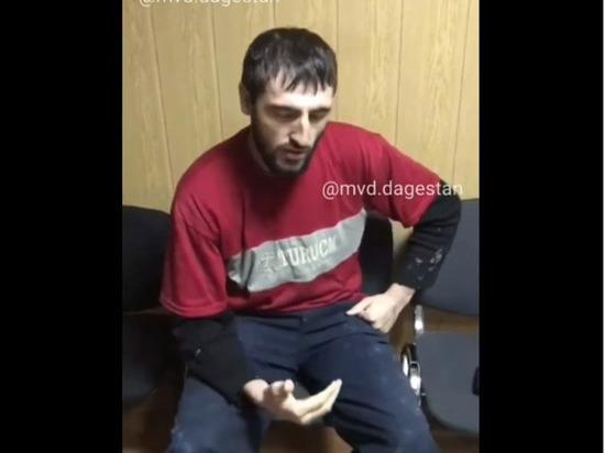 """Дагестанский """"Джокер"""" пояснил, зачем принес в школу топор"""