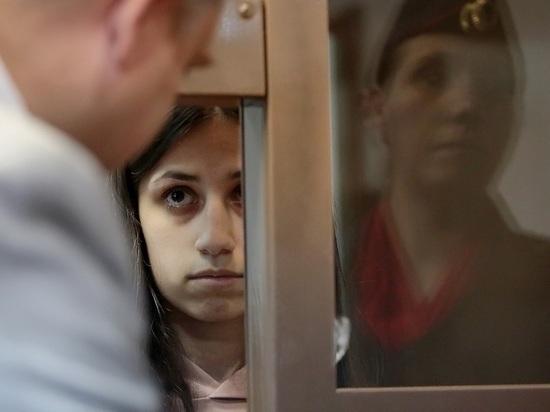 Адвокат рассказала о миллионных тратах отца на сестер Хачатурян
