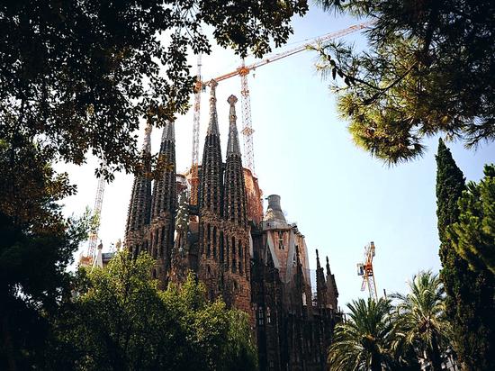 Протестующие перекрыли вход в храм Святого Семейства в Барселоне