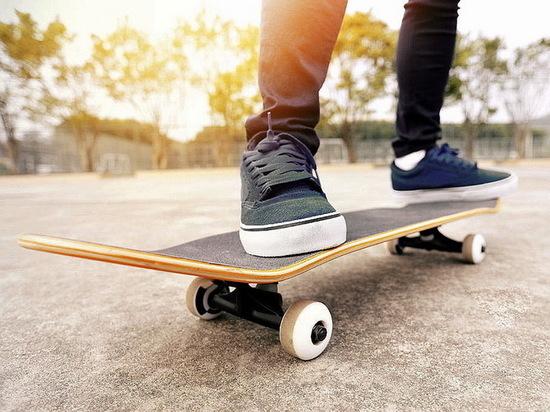 На дамбе в Воронеже оборудуют скейт-парк