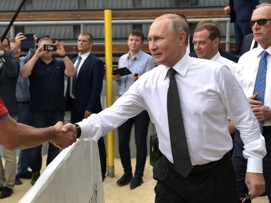 ВЦИОМ: рейтинг доверия Путину поднялся до 73,3%