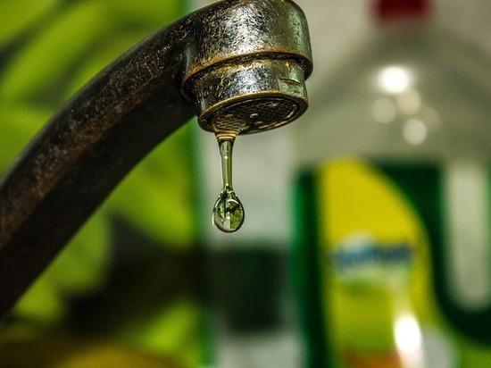 У жителей квартала в Казани из крана польется вода зеленого цвета