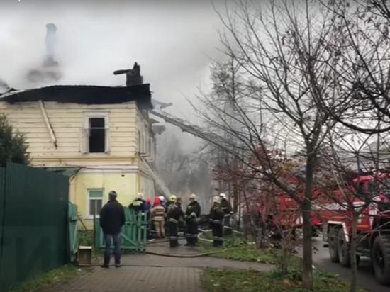 Муж потерял жену и трех дочерей при пожаре в Ростове