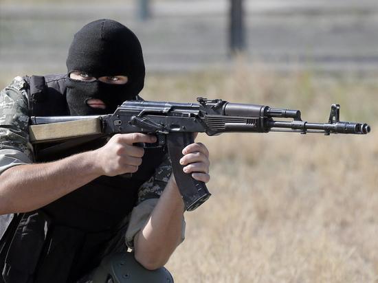 """В Донбассе произошел бой между сторонниками Зеленского и """"Правым сектором"""""""