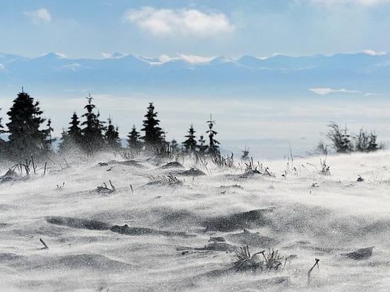 Штормовое предупреждение объявлено в Забайкалье из-за снега и ветра