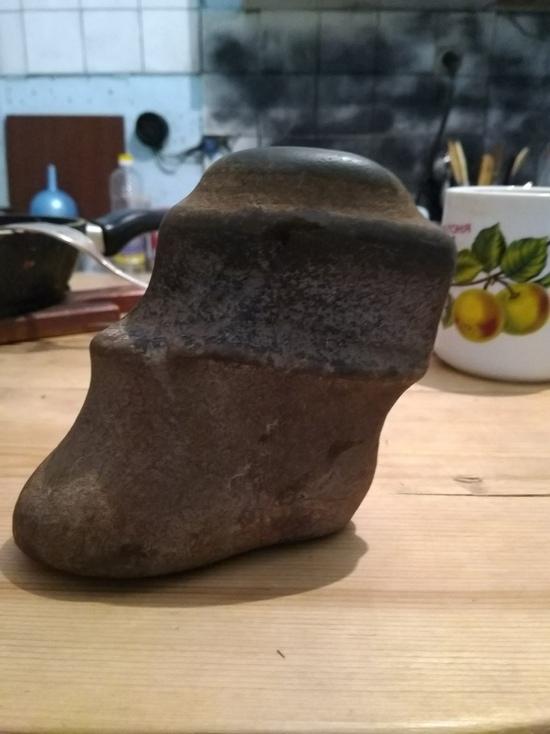 В Бурятии продают шаманский камень в форме детской ножки