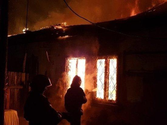 В Ангарске сгорел восьмиквартирный жилой дом