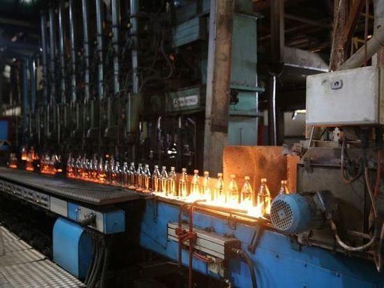 Завод «Дагестан Стекло Тара» в ходе рабочего визита город Дагестанские Огни 19 октября осмотрел премьер-министр Дагестана Артем Здунов