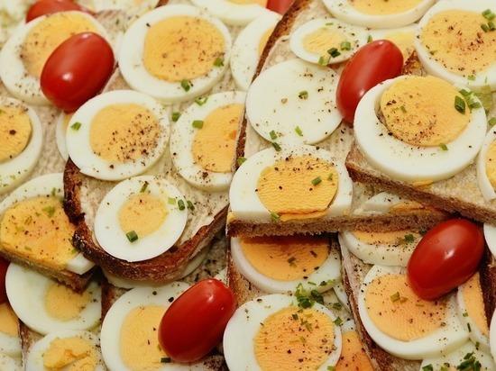 Почему доктор Мясников разрешил есть по три яйца в день