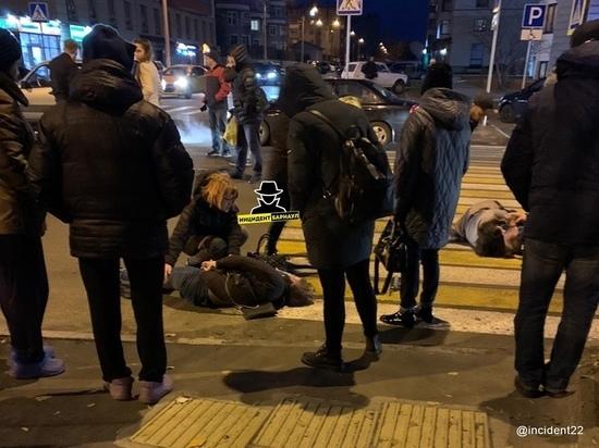 Сразу троих пешеходов сбили на «зебре» в Барнауле
