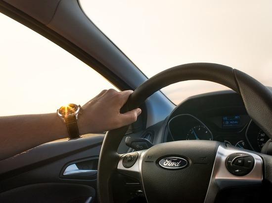 Названы три опасных привычки автовладельцев
