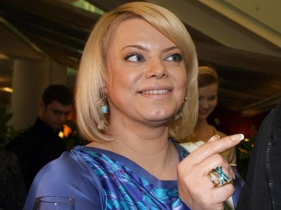 На Яну Поплавскую с целью изнасилования набросились в плацкартном вагоне
