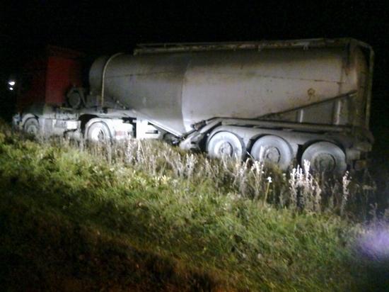 Один человек погиб и один травмирован в ДТП с цементовозом под Калугой