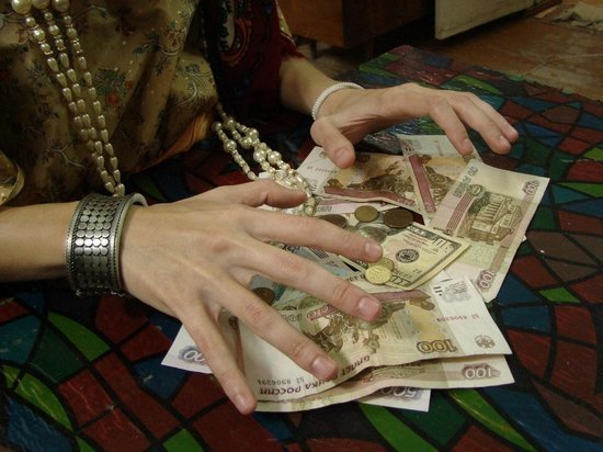 Пенсионерке из Оренбурга сняли «порчу» за 730 тысяч рублей