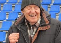 В середине октября  на стадионе «Лабиринт» собралось несколько десятков пожилых жителей Барнаула, чтобы проверить себя на силу, ловкость и выносливость, сдав нормативы ГТО