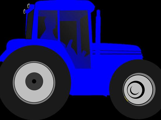 Маневр трактора в Марий Эл отправил пенсионерку в больницу
