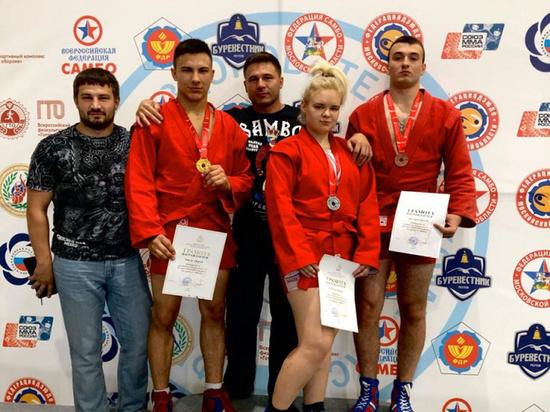 Самбисты из Серпухова поборются за награды первенства центра России